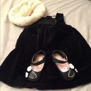 NEW Infant girl sz 9m Carter's Black Velvet  Dress